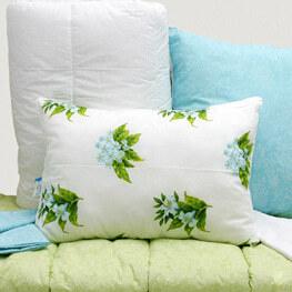 Чистка ковдр і подушок